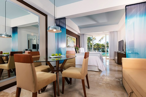 Junior Suite Pool View Imagen